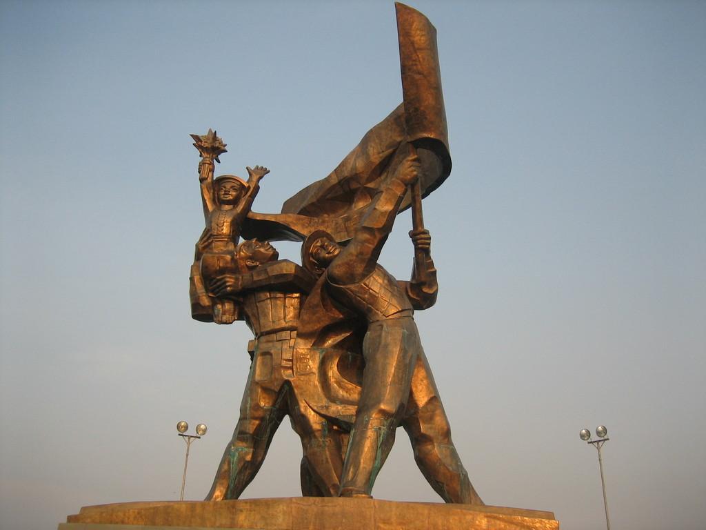 Tượng đài chiến thắng Điện Biên Phủ - Đi du lịch Điện Biên phần 1