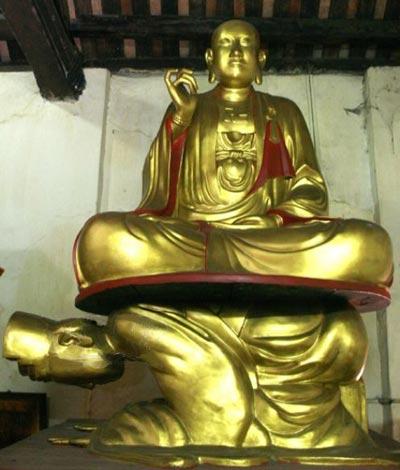 http://media.dulich24.com.vn/diemden/tuong-vua-sam-hoi-5322/tuong-vua-sam-hoi-2.JPG