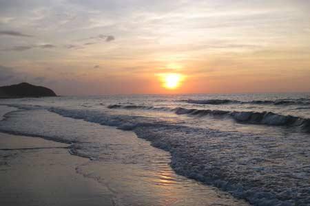 vùng biển có bãi tắm đẹp ở khu vực phía Bắc