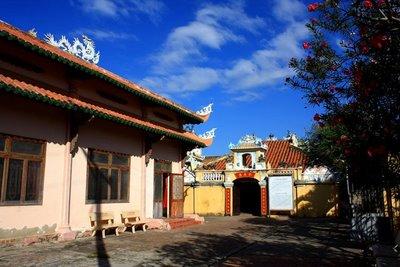 Dinh Vạn Thủy Tú là một trong những Dinh Vạn lớn và cổ xưa nhất của nghề biển ở Bình Thuận