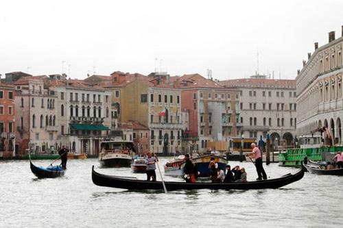 Venice không chỉ có lãng mạn - 2