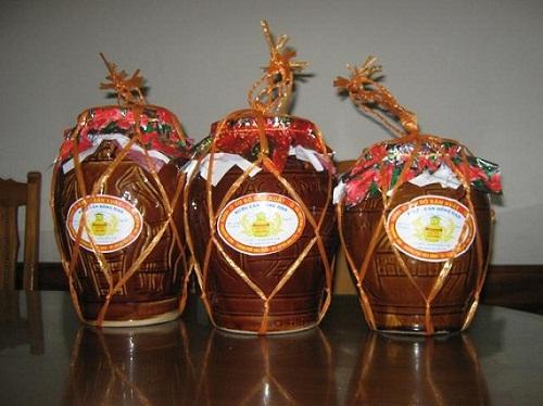 Món ngon Hạ Long - Rượu nếp ngâm Hoành Bồ.