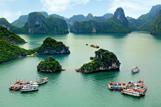 Vẻ đẹp kỳ ảo của những đảo đá vôi của vịnh Hạ Long