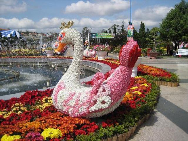 Bàn tay nghệ sĩ tạo hình cho Vườn hoa Đà Lạt