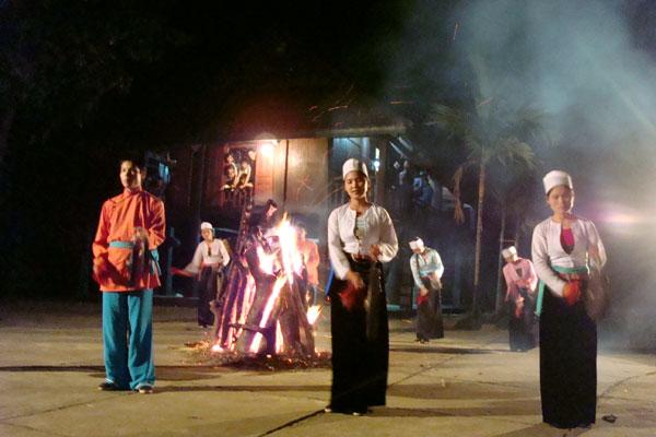 Đêm văn nghệ các dân tộc vùng cao