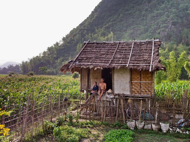 Khung cảnh cuộc sống thanh bình của người dân Mai Châu.