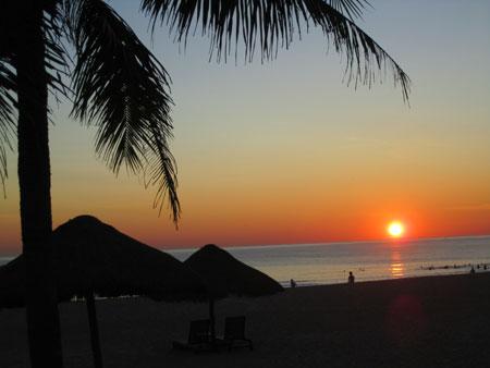 bãi biển Thuận An - Điểm du lịch Huế hấp dẫn.