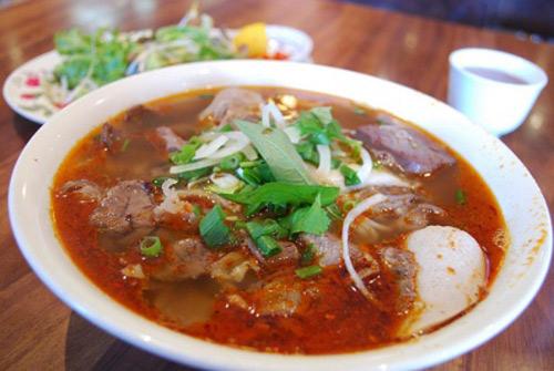 Bún Bò Huế - Đặc sản, món ngon ở Huế.