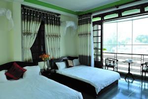 Giường Đơn trong Phòng ngủ Tập thể cả Nam và Nữ 3 Người