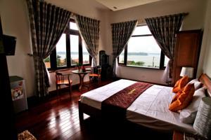 Suite có Giường cỡ King và Tầm nhìn ra Sông