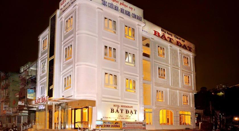 Khách sạn Bát Đạt