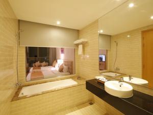 Phòng Deluxe đôi 2 giường đơn nhìn ra sông