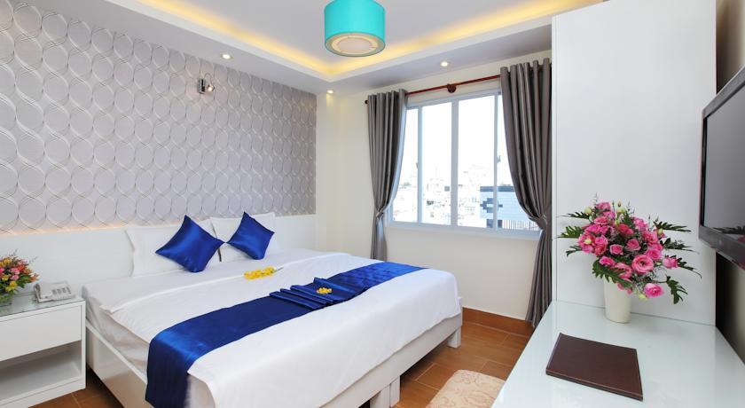 Khách sạn Blue River 3