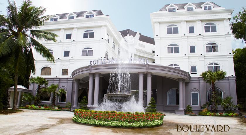 Khách sạn Boulevard