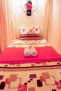 Giường trong Phòng ngủ Tập thể 18 Giường với Máy lạnh