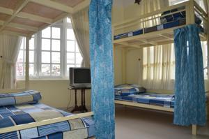 Giường Đơn trong Phòng ngủ Tập thể Nam gồm 6 Giường