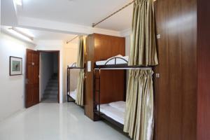 Giường Đơn trong Phòng ngủ tập thể