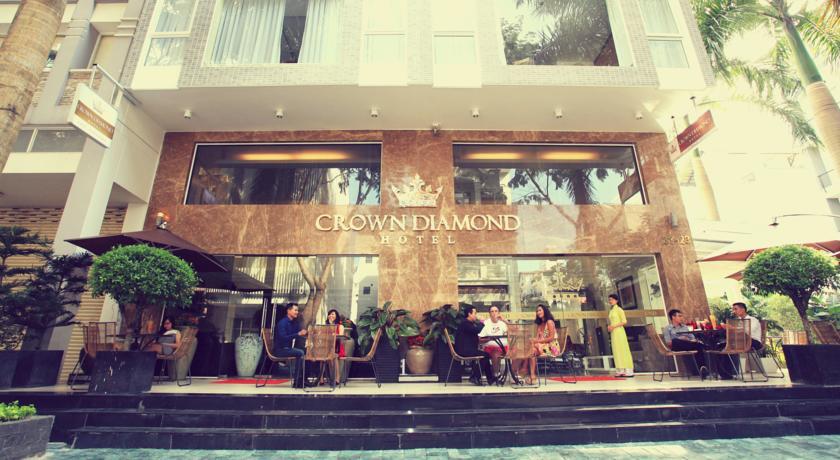Khách sạn Crown Diamond