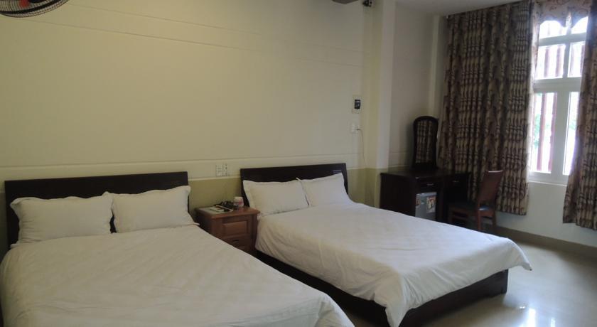 Khách sạn Đông Phú An