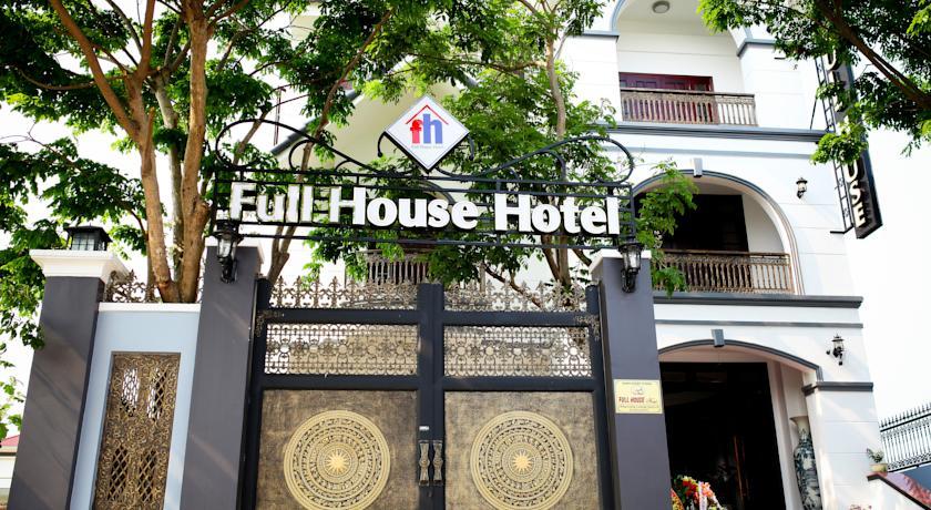 Khách sạn Full House