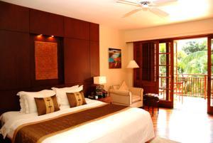 Phòng Superior đôi hoặc phòng đôi 2 giường đơn nhìn ra đầm