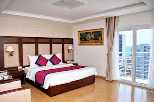 Phòng Deluxe Senior Giường Đôi Nhìn ra Thành phố