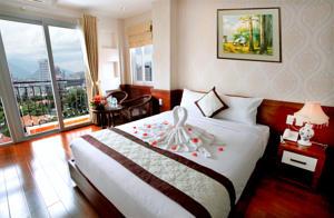 Phòng Grand Deluxe Giường Đôi có Ban công