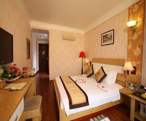 Phòng Deluxe Giường Đôi/2 Giường Đơn có Ban công hoặc Tầm nhìn ra Thành phố