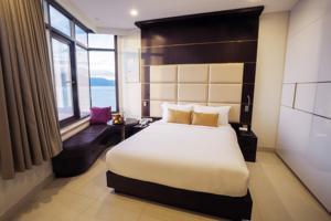 Phòng Deluxe có giường cỡ Queen Nhìn ra Đại dương