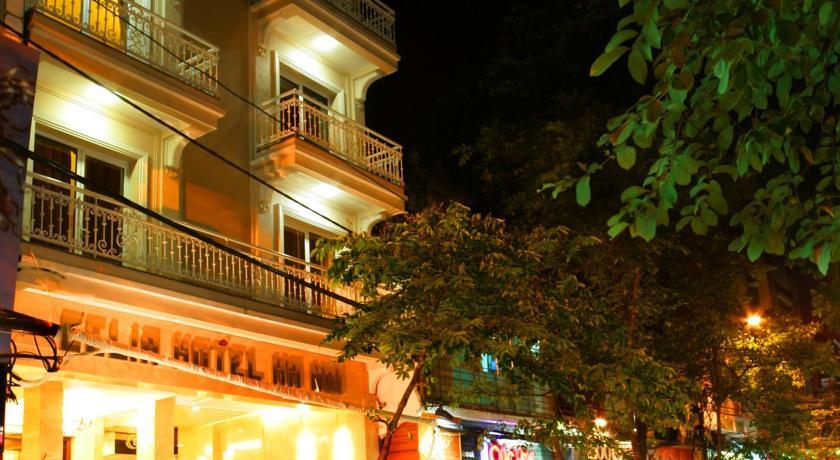 Khách Sạn Celia