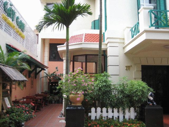 Khách Sạn De Syloia