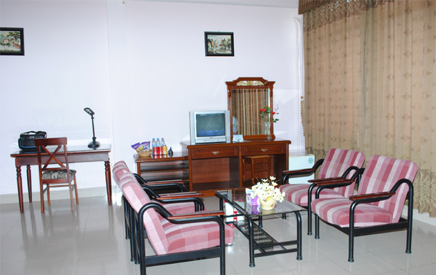 Khách Sạn Đông Á 1
