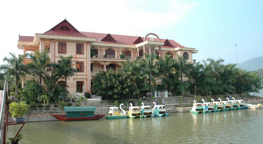 Khách sạn Him Lam