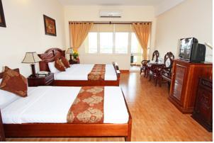 Phòng Deluxe đôi hoặc 2 giường đơn nhìn ra hồ