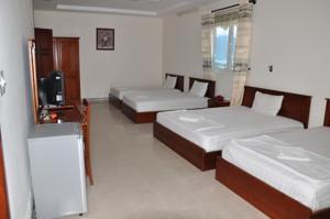 Giường trong Phòng ngủ Tập thể 8 Giường với quạt máy