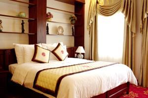 Suite nhìn ra sân bay Tân Sơn Nhất