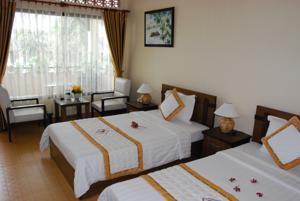 Phòng Deluxe Giường Đôi/2 Giường Đơn với Tầm nhìn ra Hồ bơi - Khu vực Phía Đồi
