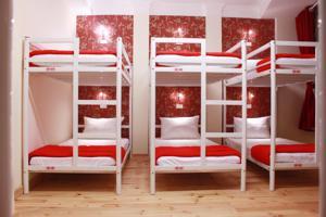 Giường Đơn trong Phòng ngủ tập thể Nam