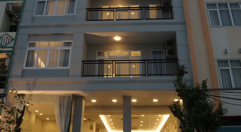 Khách sạn Lotus Residence