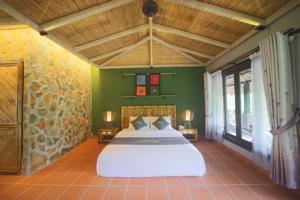 Phòng Junior Deluxe Giường Đôi với Tầm nhìn ra Núi non