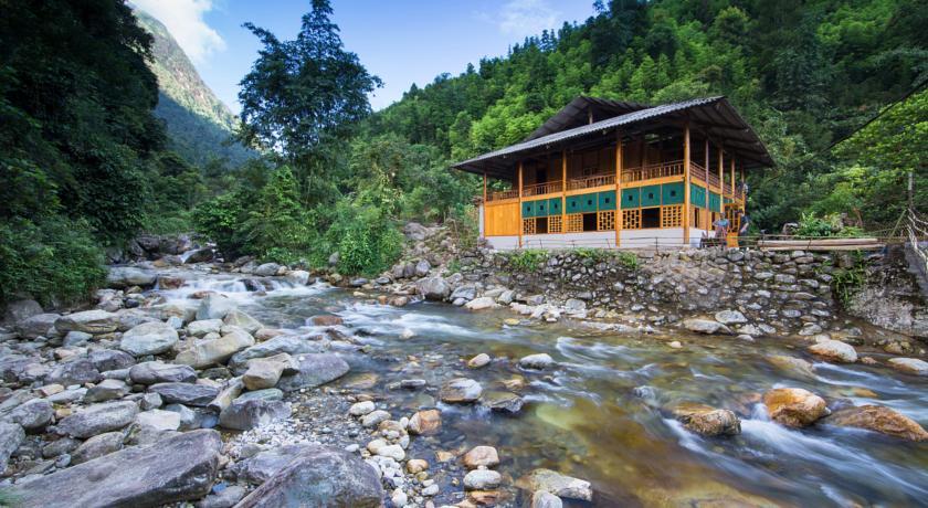 Nam Cang Riverside Lodge