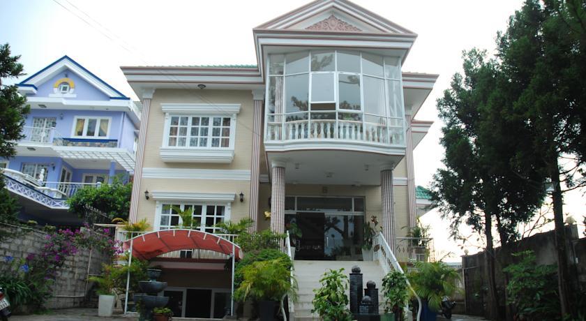 Khách sạn Nguyên Hùng