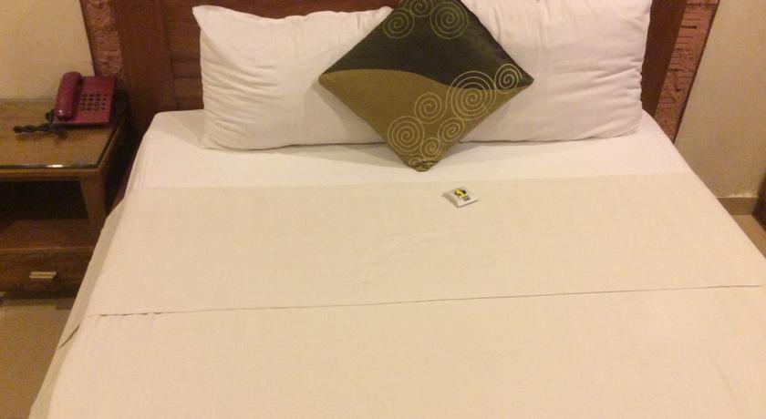 Khách sạn Phố Vắng 2