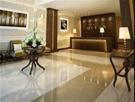 Khách sạn Queen