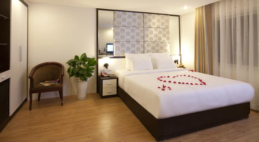 Khách sạn Rising Dragon Villa