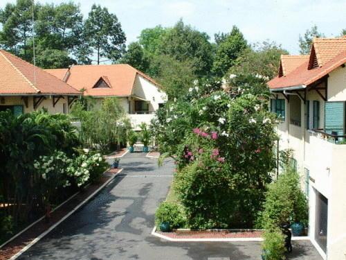 Sài Gòn Village