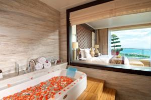 Phòng Deluxe 2 Giường đơn nhìn ra Hồ bơi