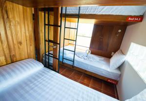 Giường trong phòng ngủ tập thể 4 Giường dành cho cả Nam lẫn Nữ (Cabin)