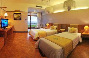 Phòng Deluxe đôi hoặc 2 giường đơn nhìn ra đầm