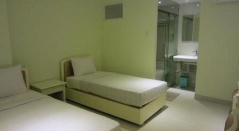 Khách sạn Thành Long